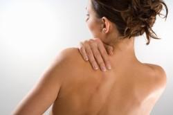 Боли в лопатках при остеохондрозе