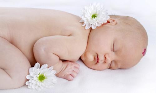Серьезным косметическим дефектом, вызывающим растерянность и страх родителей, является гемангиома у новорожденных, представляющая собой доброкачественное сосудистое новообразование
