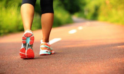 При варикозе бег по асфальту или брусчатке противопоказан