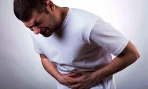 При опухоли в головке железы наблюдаются болезненные проявления в зоне подреберья и в надчревной области, при онкологии в хвосте или теле болезненные симптомы будут в области подреберья слева и в надчревной области