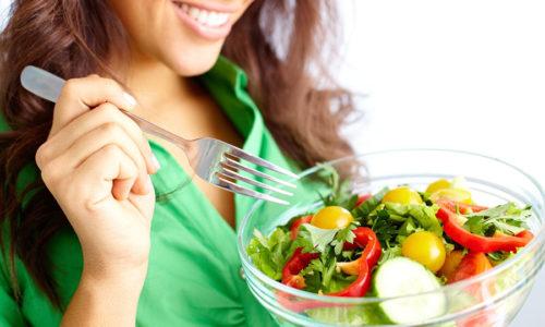 Не следует забывать о диете при варикозе. Она тоже является второстепенным способом лечения, но немаловажна для остановки прогрессирования варикоза