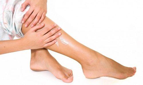Лекарственные мази и гели в своем составе содержат витамины, которые так необходимы для кожи