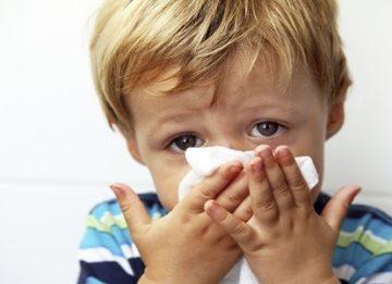 Как можно лечить затяжной насморк у ребенка