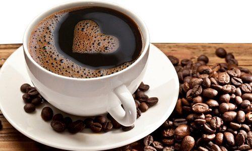 Кофе при панкреатите, вне зависимости от его формы и стадии, нужно пить с большой осторожностью, лучше же вовсе не пить