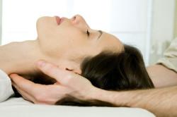 Лечение грыжи шейного отдела с помощью массажа