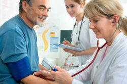 Лечение шейного остеохондроза с помощью массажа