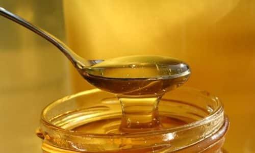 Совершенно все знают о том, насколько полезным для человека является мед