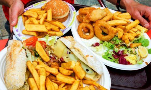 Повышает риск развития заболевания нездоровое питание