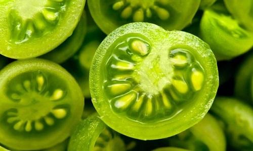 Зеленые помидоры способствуют разжижению крови и препятствуют образованию тромбов