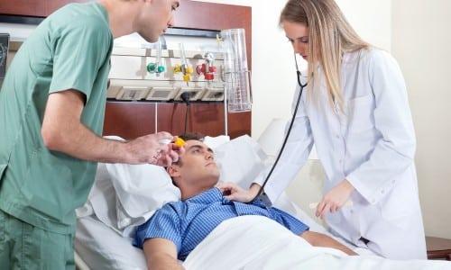 После операции варикоцеле мужчинам предстоит длительный период реабилитации. Необходимо безукоризненно выполнять все предписания врача