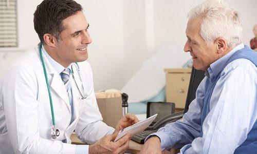 Врач может назначить лекарственные средства, которые снизят ломкость сосудов и восстановят тонус венозной стенки